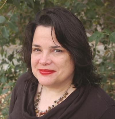 headshot of Elizabeth McCracken